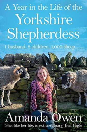 Amanda owen Year in the life of the Yorkshire shepherdess [paperback signed]